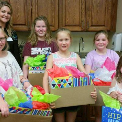 LaPorte City 4H birthday gifts 5.18