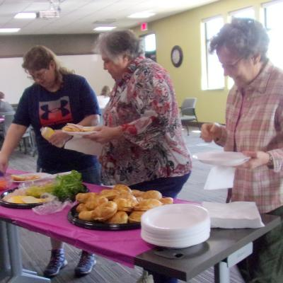Ravenwood volunteer lunch 4.18